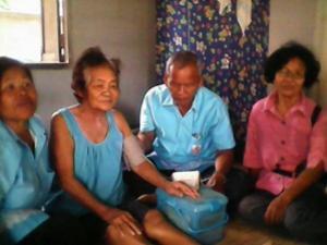 โครงการอาสาสมัครดูแลผู้สูงอายุที่บ้านในเขตเทศบาล ประจาปีงบประมาณ 2559 กองทุนหลักประกันสุขภาพระดับท้องถิ่น เทศบาลตาบลจระเข้หิน